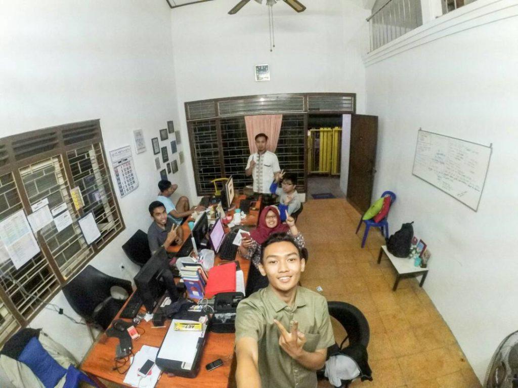 kantor nahwa travel juanda malang