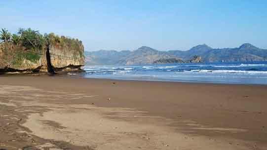 pantai-taman-kili-kili
